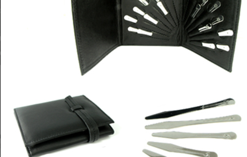 Collar Stays 101 – Everything You Need to Know About This Essential Accessory